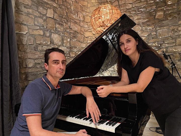 """Imagen de RECITAL DE VEU I PIANO  """"MÀGIC MOMENT"""""""