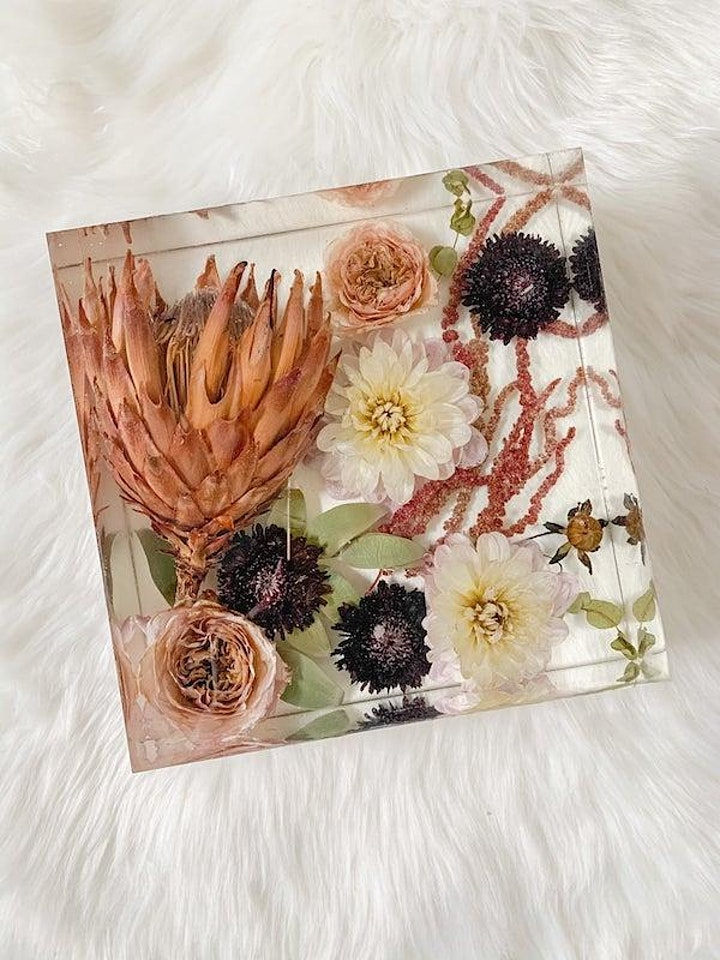 Art of Preserved Flowers: Preserving with Silica and Resin image