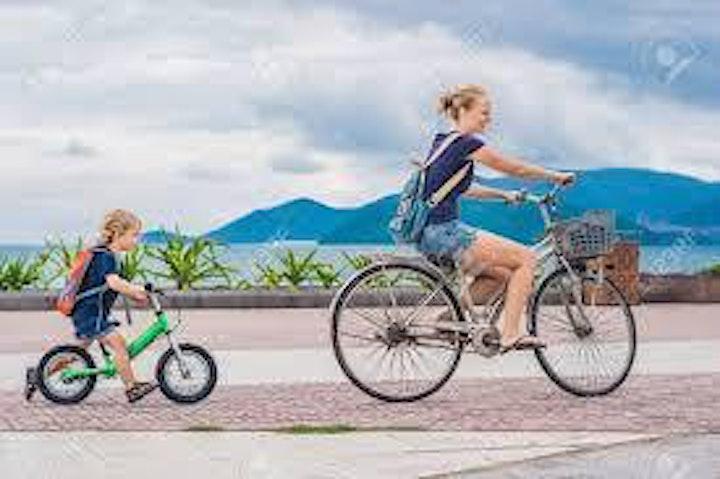 Immagine Una Mamma in Mountainbike