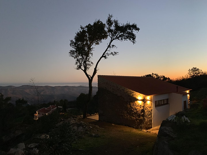 7- DAY YOGA & BREATHWORK RETREAT - ALIGN YOUR INNER COMPASS IN PORTUGAL: Bild
