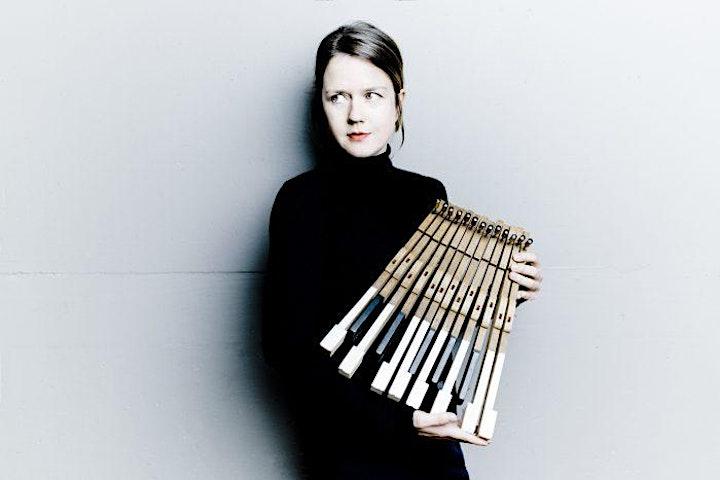 Afbeelding van Helena Basilova speelt pianoconcert 'In C' in Feerwerd (04-07-21)