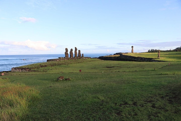 Rapa Nui (Easter Island): Myths and realities of an iconic past image