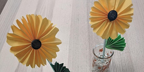 Paper Sunflower making: a cute decorative pen for moms (English / Mandarin) tickets