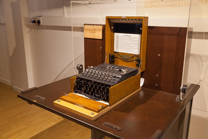 Polish Cyclometer - an early Enigma  cracking machine image