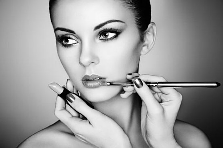 Copy of Makeup Masterclass - Get confidence with colour image