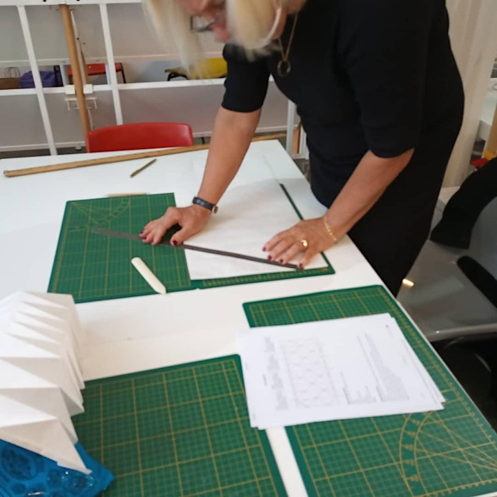 Image pour Origami -  Butterfly Lampshade workshop