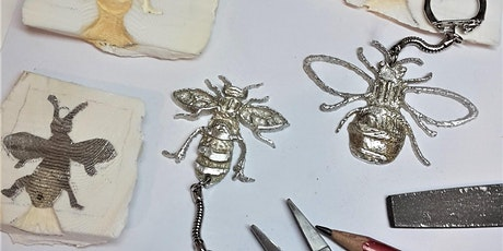 Manchester bee pewter keyring workshop using cuttlefish casting tickets