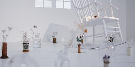 Inauguration de l'exposition-installation La chambre intérieure billets