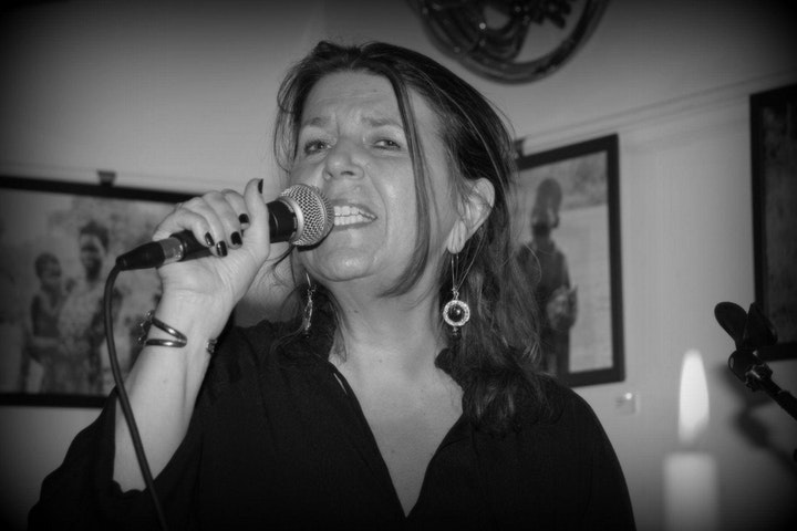 Acoustic Night with Karen Macwhinnie and Friends Band image