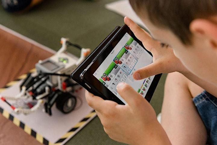 Immagine HelloRobot Summer Camp |7-11 anni| Roboticland, il Lunapark robotico
