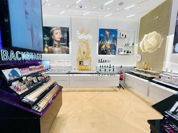 NEW Visual Merchandising & Store Experience MasterClass image