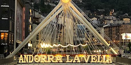 Visita guiada nocturna Andorra la Vella: Festival de llum i color tickets