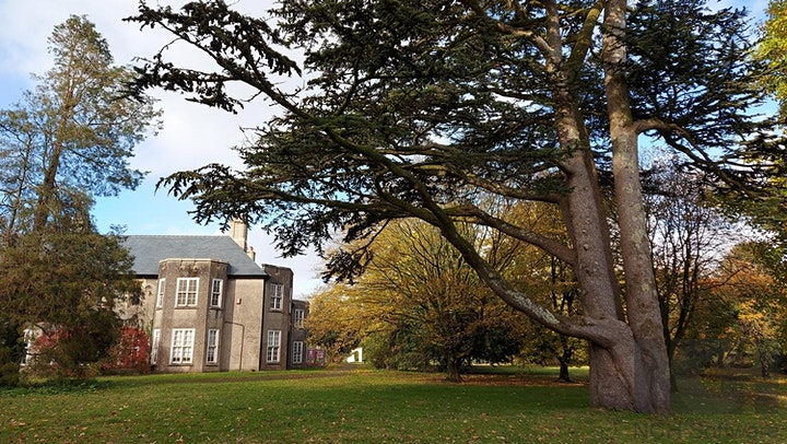 Taith o gwmpas Parc Yr Esgob | Tour of the Bishop's Park image
