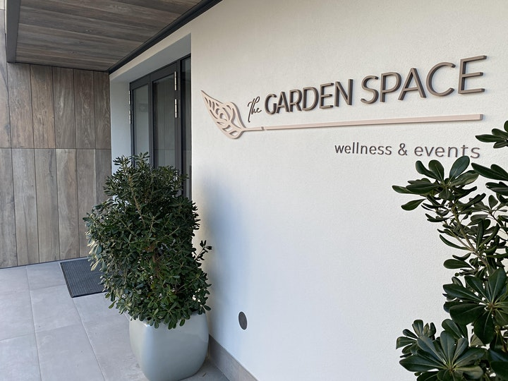 "Immagine POOL APERITIF ""THE GARDEN SPACE"" Hilton Garden Inn 23.09"