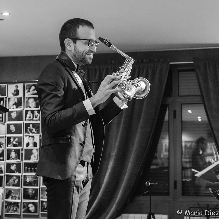 Imagen de David Hernando Vitores (saxofón) y Sandro Bakhuashvili (piano) en concierto