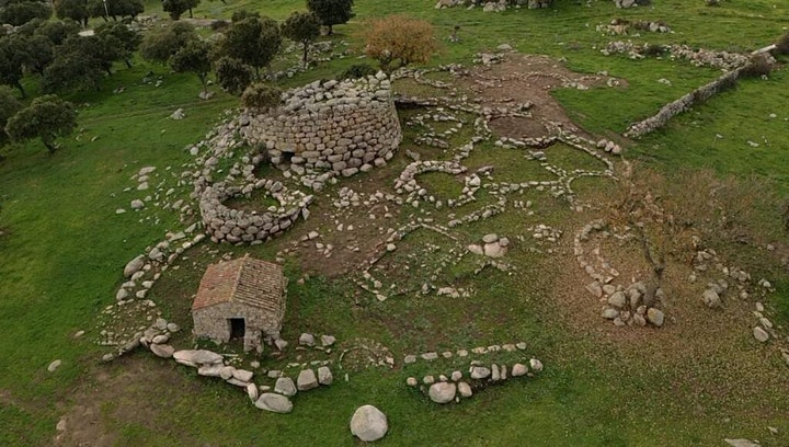Immagine Alba del Solstizio d'estate - Agriturismo S'Iscopalzu (Osidda)