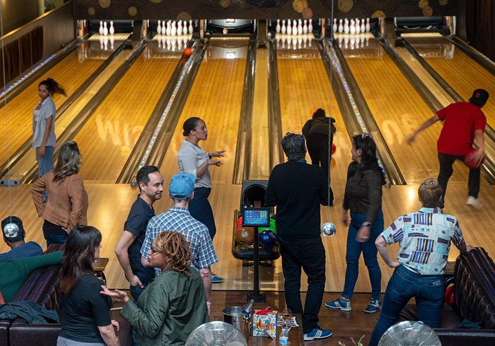 Queer Bowling image