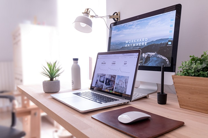 Start An Online Business Without Quitting Your Day Job image