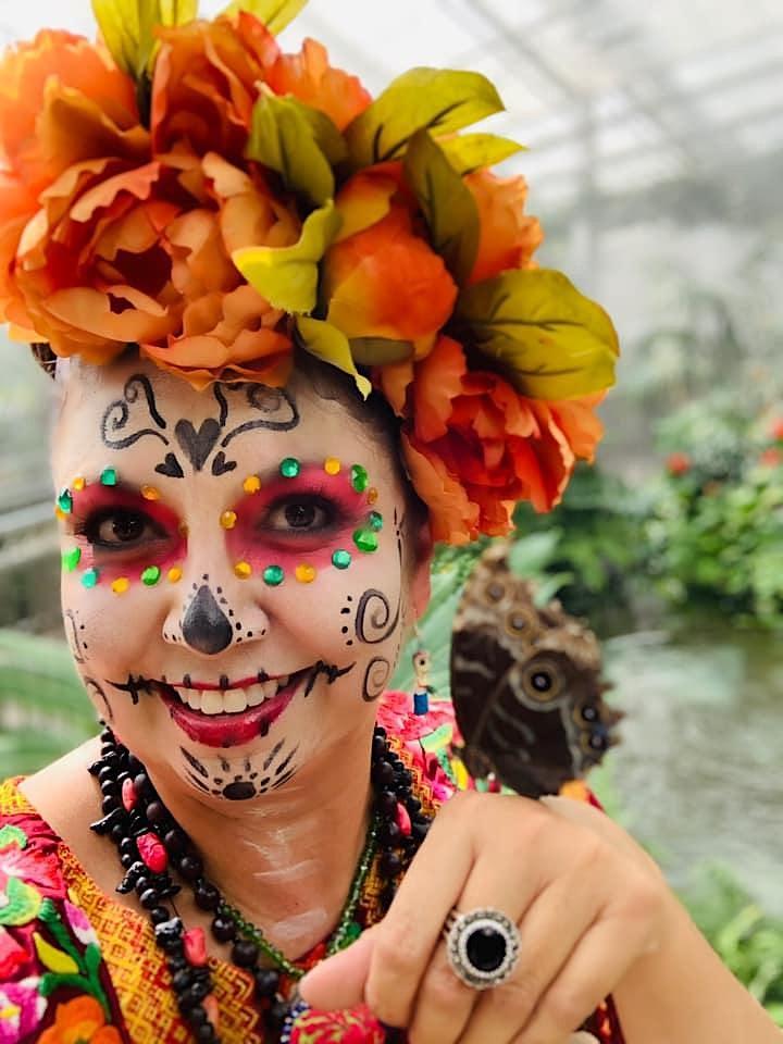 LIVING TRADITIONS Meet the Artist: Sustaining Creativity image