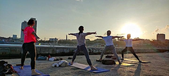 Imagen de Sunset Yoga flow Poblenou by the sea