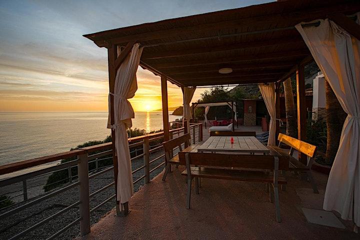 Imagen de Retiro de canto y yoga en la costa del sol