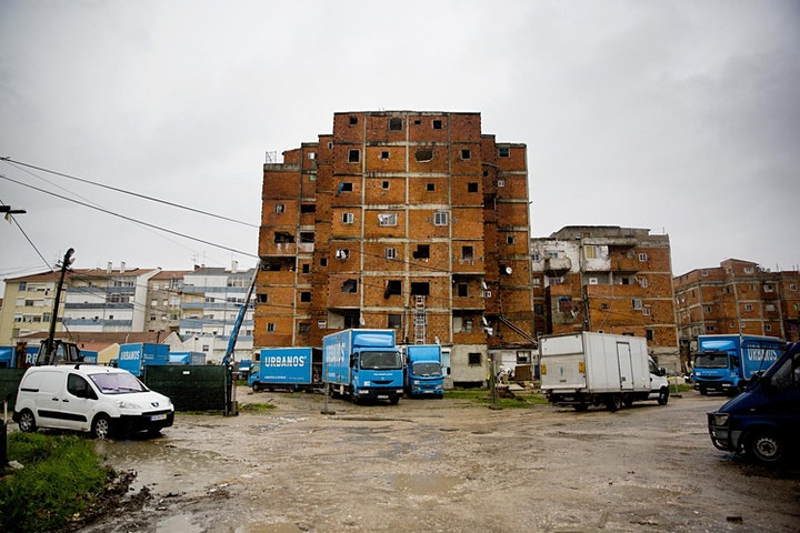 imagem Public Housing - No Silver Bullet