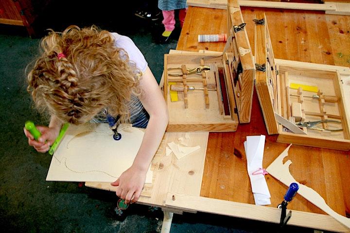 Holzbauwerkstatt: Da(s) ist der Hammer! - Kreative Ferienwoche: Bild
