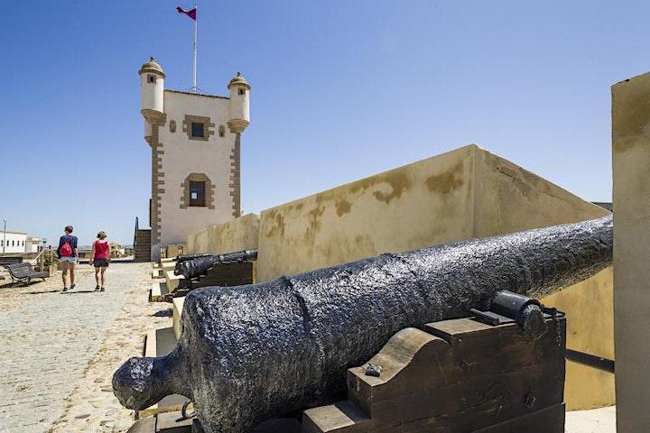 Imagen de Tour Castillos y Baluartes de Cádiz