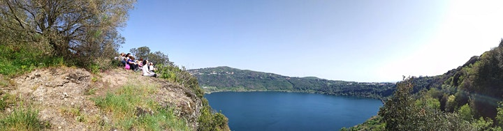 Immagine Trekking, Yoga e Avventura a picco sul lago di Nemi nella Natura selvaggia!