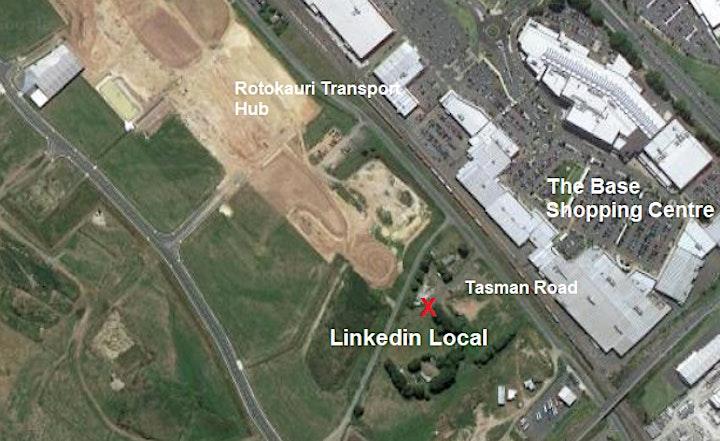 LinkedIn Local Hamilton- Living in a Digital World image