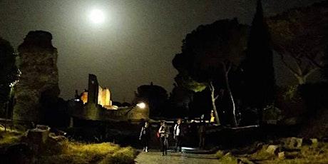 L'Appia Antica, dal tramonto alla luna: trekking notturno, yoga e picnic! biglietti
