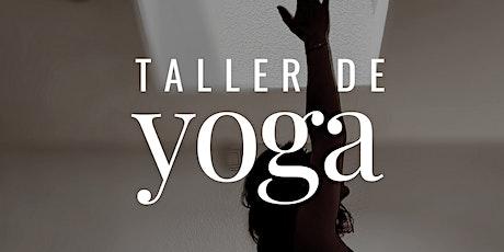 Taller de Yoga con soportes para perfeccionar las asanas entradas