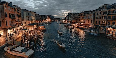 Highlights and Hidden Gems Night Tour in Venice tickets