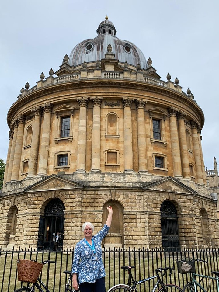 Oxford walking tour with a qualified  local  Blue Badge Tourist Guide image