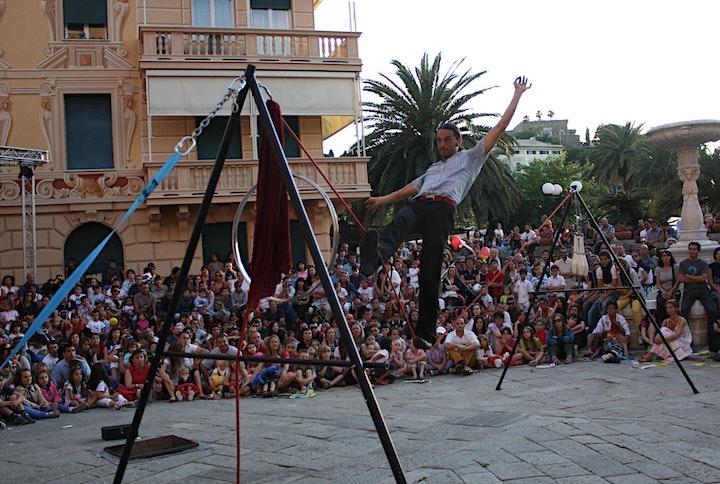 Immagine ArtNove:  Bubble Street Circus - Juriy Longhi