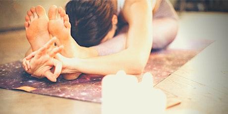 SALON F ONLINE // YOGA SPECIAL mit Katharina: Yin Yoga am Sonntag Abend Tickets