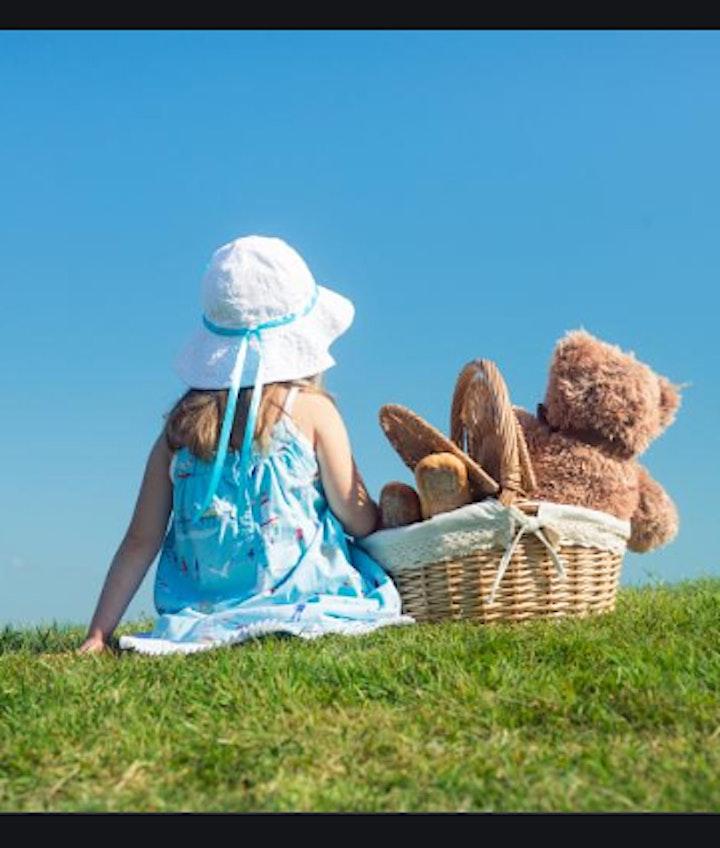 Children Auslan with Little Mx Auslan in the Park image