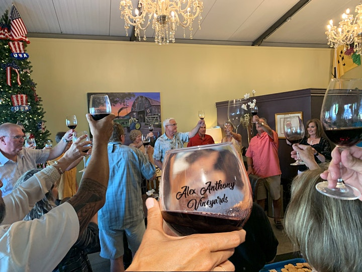Learn How To Cut Wine Bottles at Alex Anthony Vineyards in Johnson City TX image
