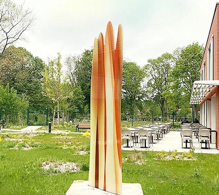 Image pour Une sculpture en verre de 3 mètres de haut signée Guillaume Bottazzi