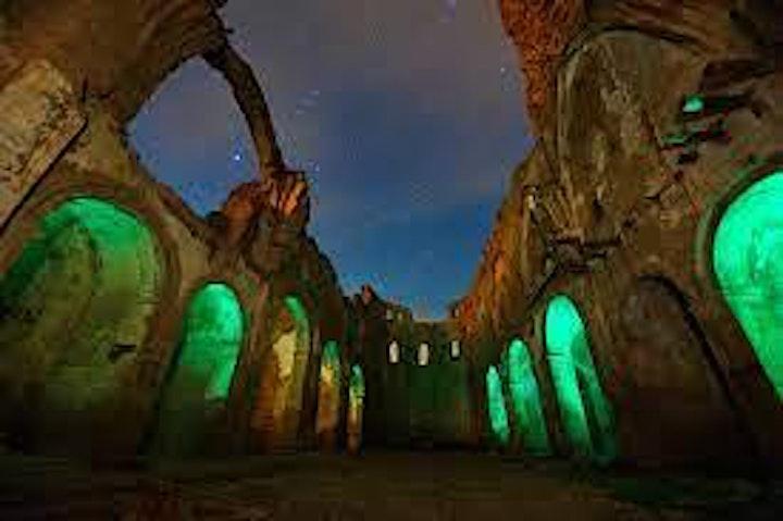 Imagen de Goyescos de Fuendetodos visita Belchite nocturna