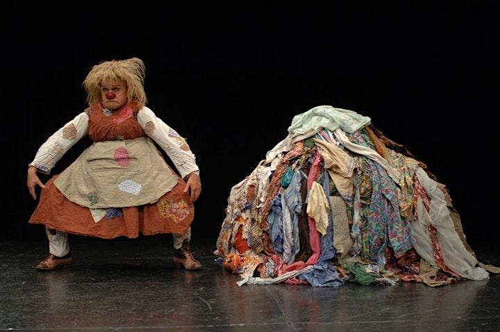 JUANA LA VALIENTE (THE BRAVE JANE) de la Maestra suiza de teatro de clown image