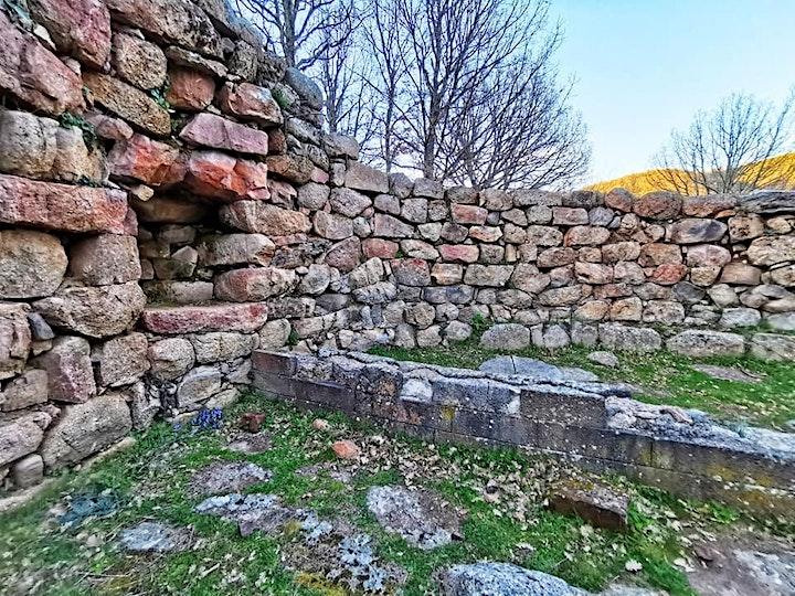 Immagine Acque Sacre in Barbagia: Romanzesu, Su Tempiesu, Gremanu