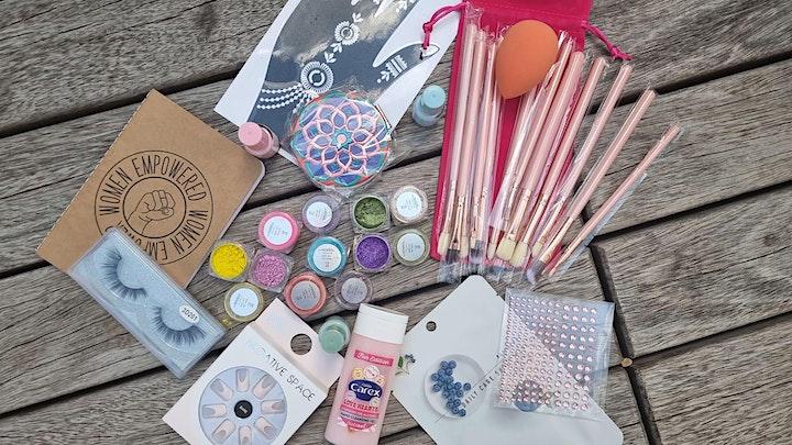 LONE DESIGN CLUB X ST ESSENTIALS: Glitter Festival Makeup Masterclass image