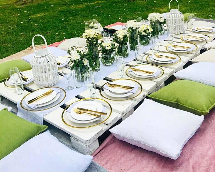 Summer Luxury Picnic Experience - Date Night image