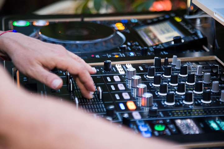 Imagen de ROOFTOP PARTY 80´S MUSIC en Renaissance Barcelona Hotel