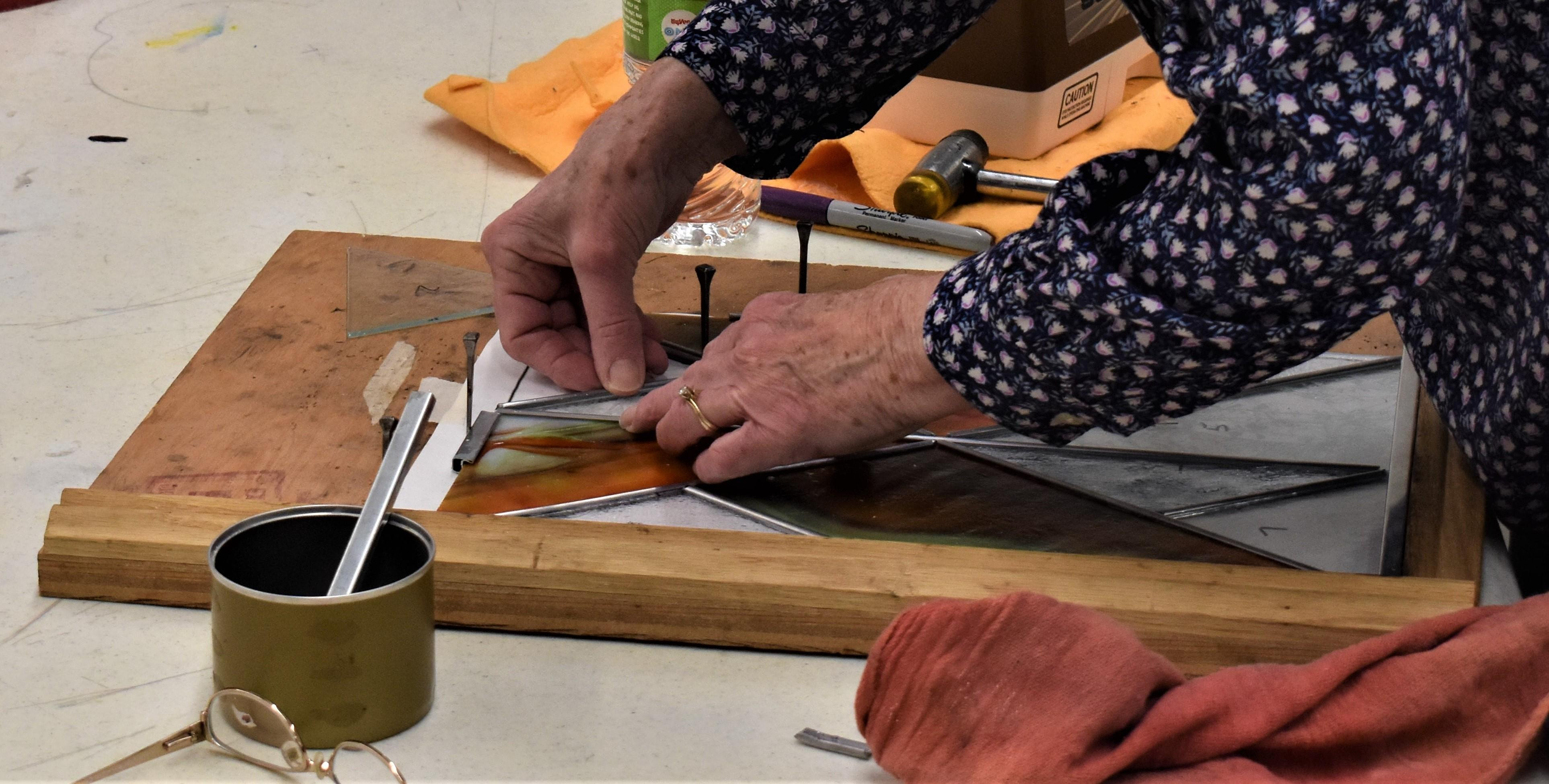 Stained Glass for the Experienced or Beginner (Adult-StainedGlass)