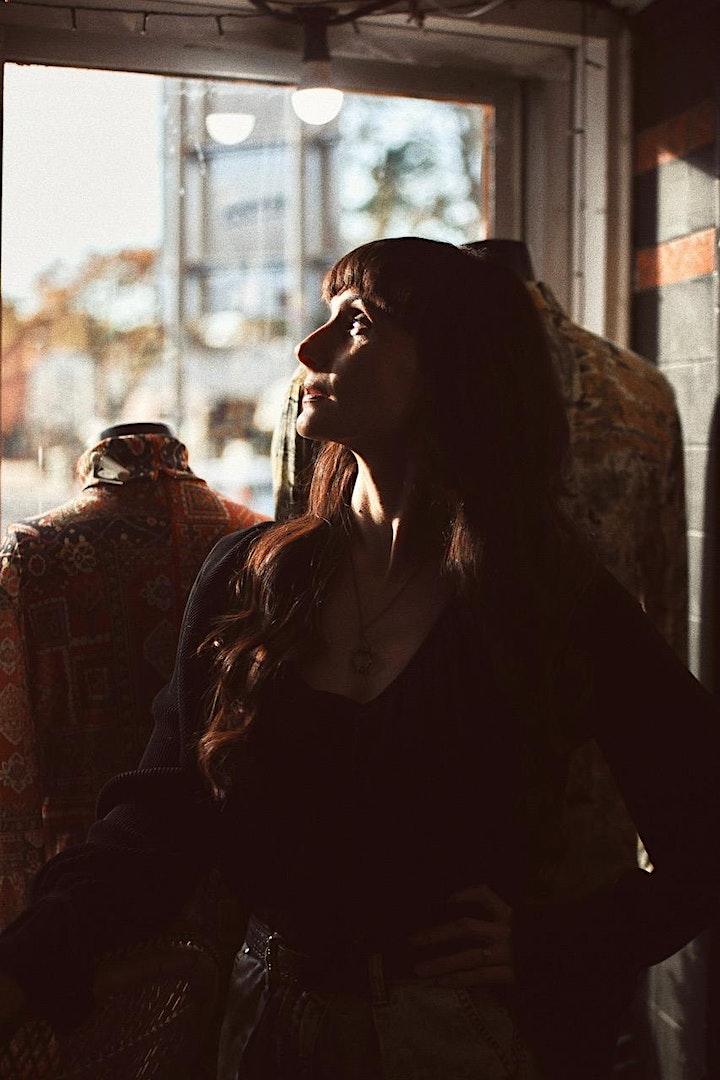 Amy Vee  - The Victoria Bathurst  4/2/22 image