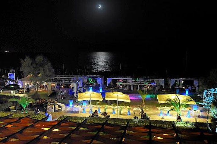 Immagine Cena Frontemare di Ferragosto nel Light Beach Fregene Saint-Tropez!