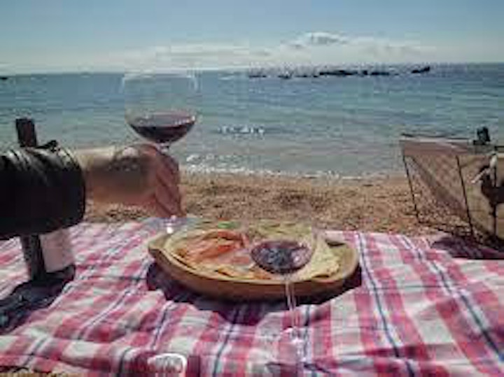 Avoid the Waikiki restaurants lines and get your private Italian picnic now image
