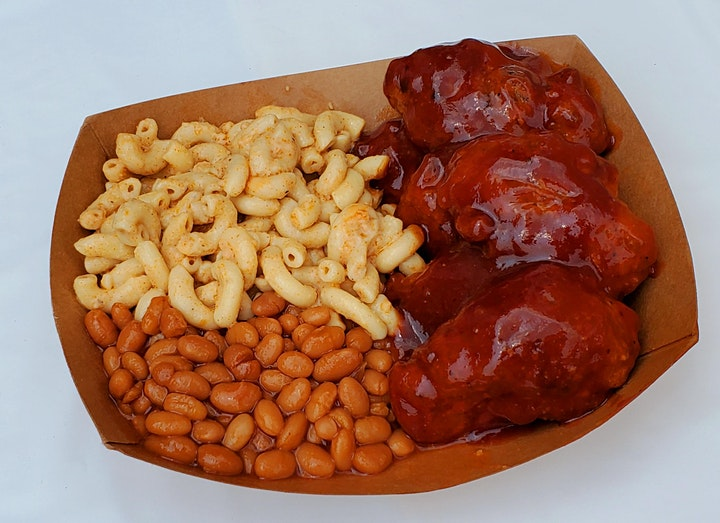 These Wingz BBQ Wingz Mac and Cheese and BBQ Baked Beans